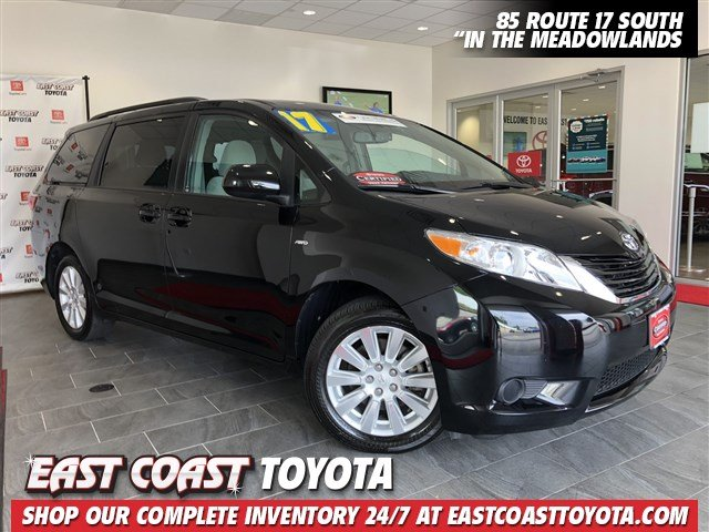 Certified Pre-Owned 2017 Toyota Sienna LE V6 AWD 7 PASSENGER