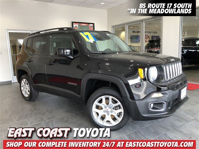 Pre-Owned 2017 Jeep Renegade Latitude 4-CYL 4WD SUV