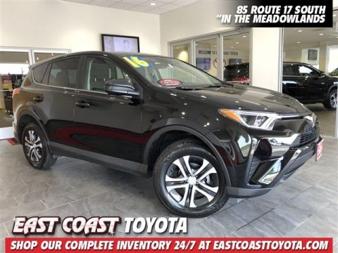 Certified Pre-Owned 2018 Toyota RAV4 LE AWD SUV