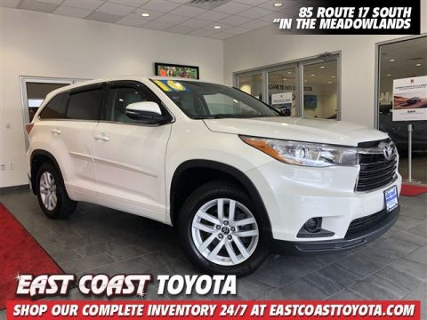 Pre-Owned 2016 Toyota Highlander LE V6 AWD SUV