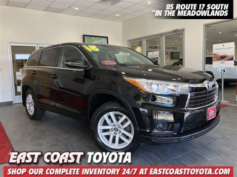 Certified Pre-Owned 2016 Toyota Highlander LE V6 AWD SUV