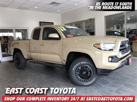 Certified Pre-Owned 2017 Toyota Tacoma SR5 V6 4WD ACCESS CAB